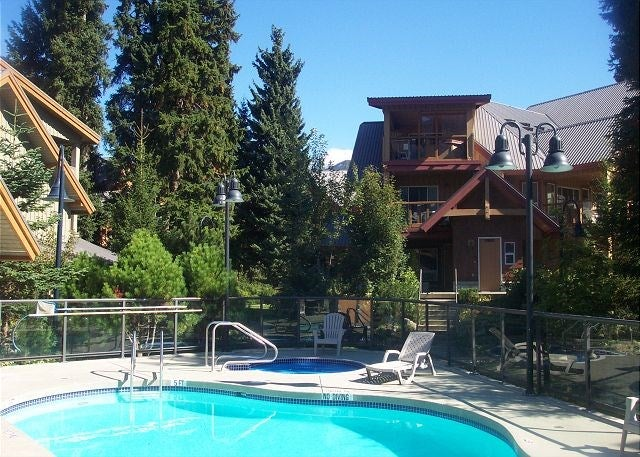 48 4388 NORTHLANDS BOULEVARD - Whistler Village Townhouse for sale, 2 Bedrooms (R2068465) #1